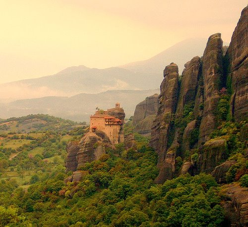 Photo from http://amazing-world-info.blogspot.co.uk/2008/12/amazing-clifftop-monasteries-of-meteora.html